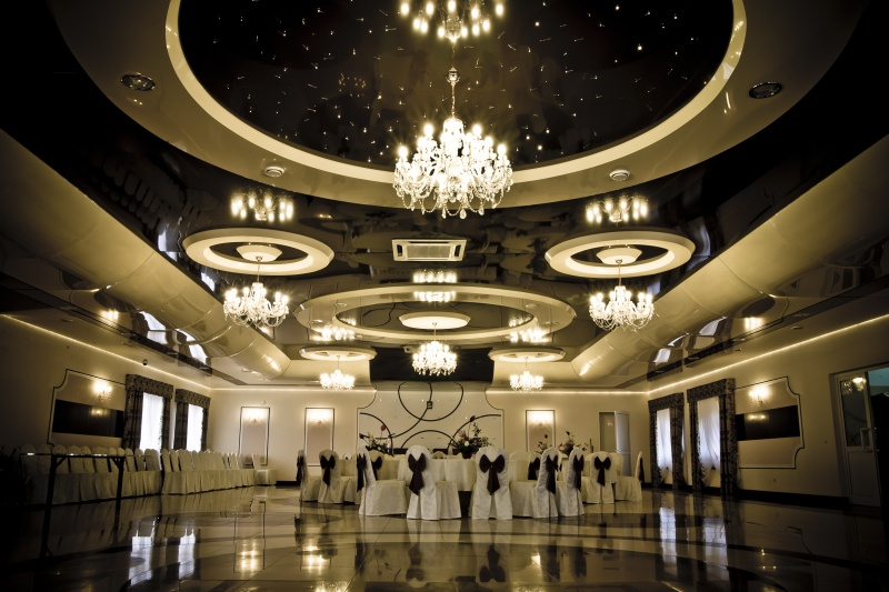 Installed High Gloss Ceiling Banquet Hall