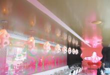 High gloss ceiling in restaurant