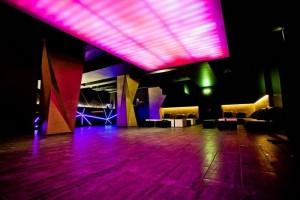 installed-stretch-ceiling-in-night-club